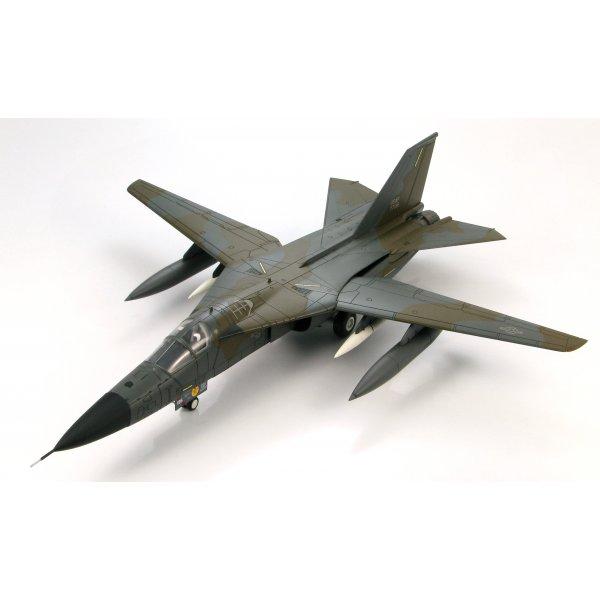 """Hobby Master FB-111A Aardvark """"Ruptured Duck"""" 393rd BS ..."""
