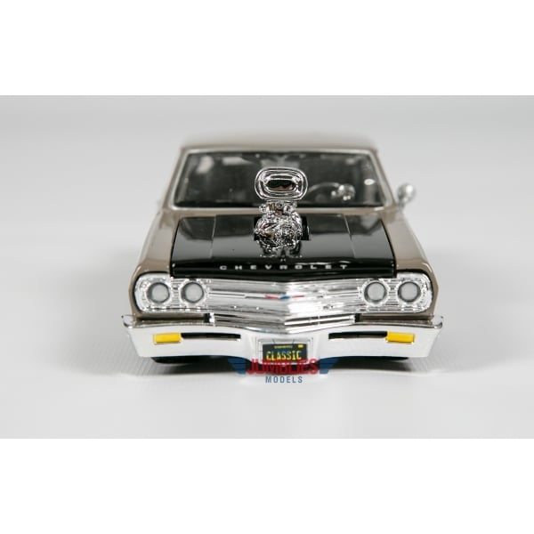 maisto 1965 chevrolet malibu ss classic muscle 1 24 scale diecast car maisto from jumblies. Black Bedroom Furniture Sets. Home Design Ideas