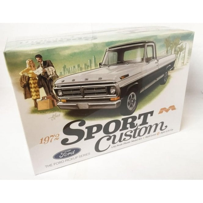 Moebius Models 1972 Ford Pickup Sport Custom - 1:25 Scale Car Kit