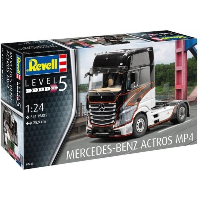 1:24 Mercedes-Benz Actros MP4 Cab Model Truck Kit