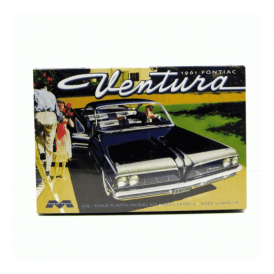 Moebius Models 1961 Pontiac Ventura SD - 1:25 Scale Car Kit