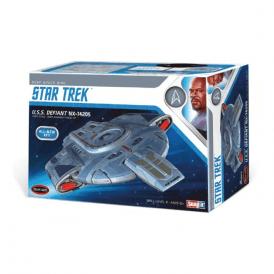 Polar Lights Star Trek Deep Space Nine USS Defiant - 1:1000 Scale Model Kit