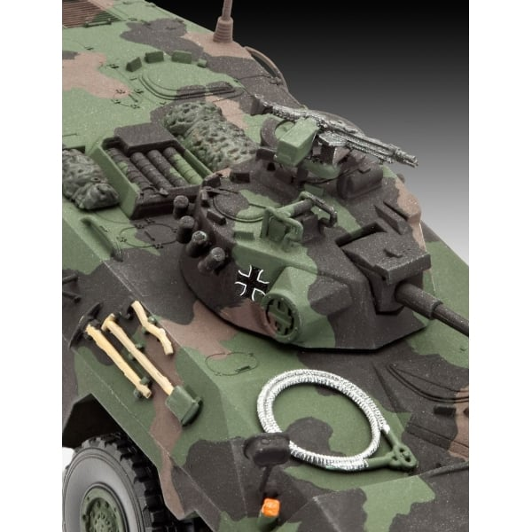 Revell 1:72 SpPz 2 LUCHS A2 Military Model Kit