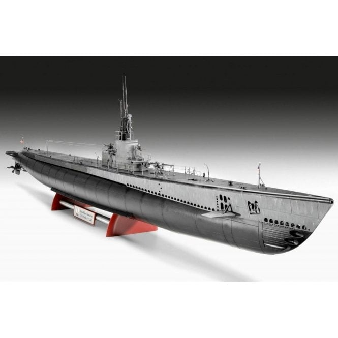 Revell 1:72 US Navy Gato Class Submarine (Platinum Edition) Ship Model Kit