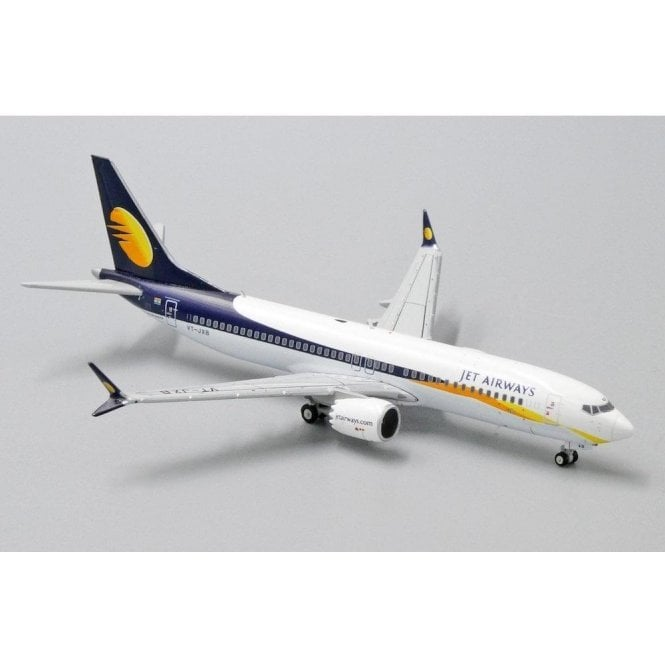 JC Wings 1:400 Boeing 737 MAX 8 Jet Airways - Reg VT-JXB (With Antenna)