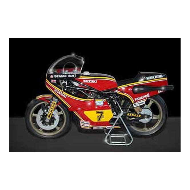 Italeri 1:9 Suzuki RG 500 XR27 (Team Heron - Barry Sheene) 1978 Model Kit