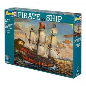 Revell Damaged box - 1:72 Pirate Ship Model Ship Kit