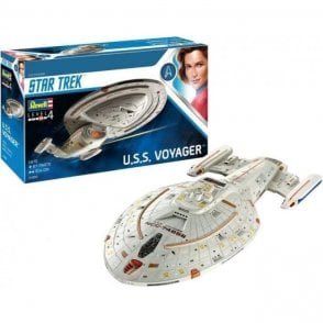 Revell 1:670 Star Trek U.S.S. Voyager NCC-74656 Model Kit