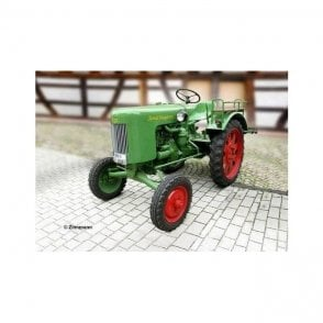 Revell 1:24 Fendt F20 Diesel-Horse Tractor (Easy-Click) Model Kit
