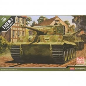 Academy 1:35 Normandy 70th Anniversary Tiger I Mid Model Military Kit