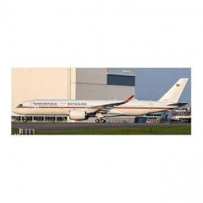 JC Wings 1:400 Airbus A350-900ACJ German Air Force (Flaps Down) Reg - 10+01 (With Antenna)