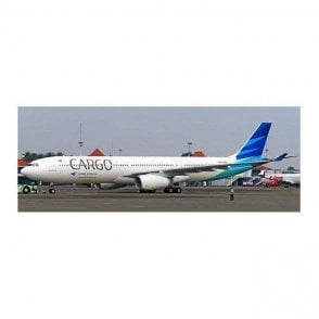 "JC Wings 1:400 Airbus A330-300 Garuda Indonesia ""Cargo Title"" Reg - PK-GPA (With Antenna)"
