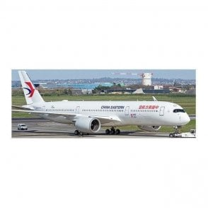 "JC Wings 1:400 Airbus A350-900 China Eastern Airlines ""1st A350 delivered from China"" Reg - B-323H (With Antenna)"