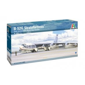 Italeri 1:72 Boeing B-52G early with Hound Dog Aircraft Model Kit