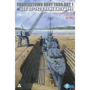 Takom 1:700 Charlestown Dry Dock & USS DD-742 Frank Knox Model Ship Kit