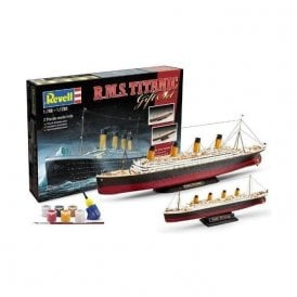 Revell RMS Titanic Gift Set -  1 kit 1:700 Scale + 1 Kit 1:1200 Model Ship Kit