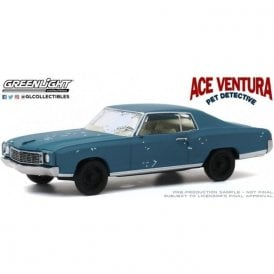 Greenlight 1:43 Ace Ventura: Pet Detective (1994) - 1972 Chevrolet Monte Carlo Diecast Car