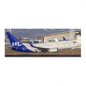 JC Wings 1:200 Boeing 737-700 SAS Scandinavian Airlines (Flaps Down) - Reg SE-RJX