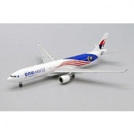 "JC Wings 1:400 Airbus A330-300 Malaysia Airlines ""OneWorld Livery"" - Reg 9M-MTE (With Antenna)"