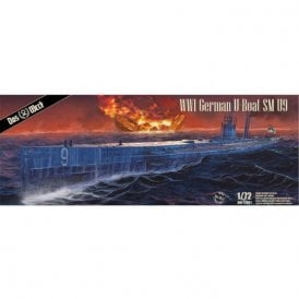 Das Werk 1:72 WWI U-Boat SM U-9 Model Kit