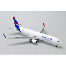 JC Wings 1:400 Boeing 767-300F(ER) LATAM Cargo Reg - N532LA (With Antenna)